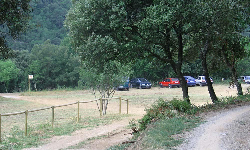 Reestructuracio aparcament de Sadernes