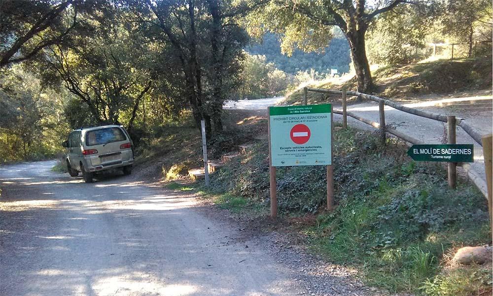Accés motoritzat a la zona de Sadernes